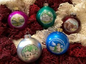 Photo of the full set of Christmas ornaments